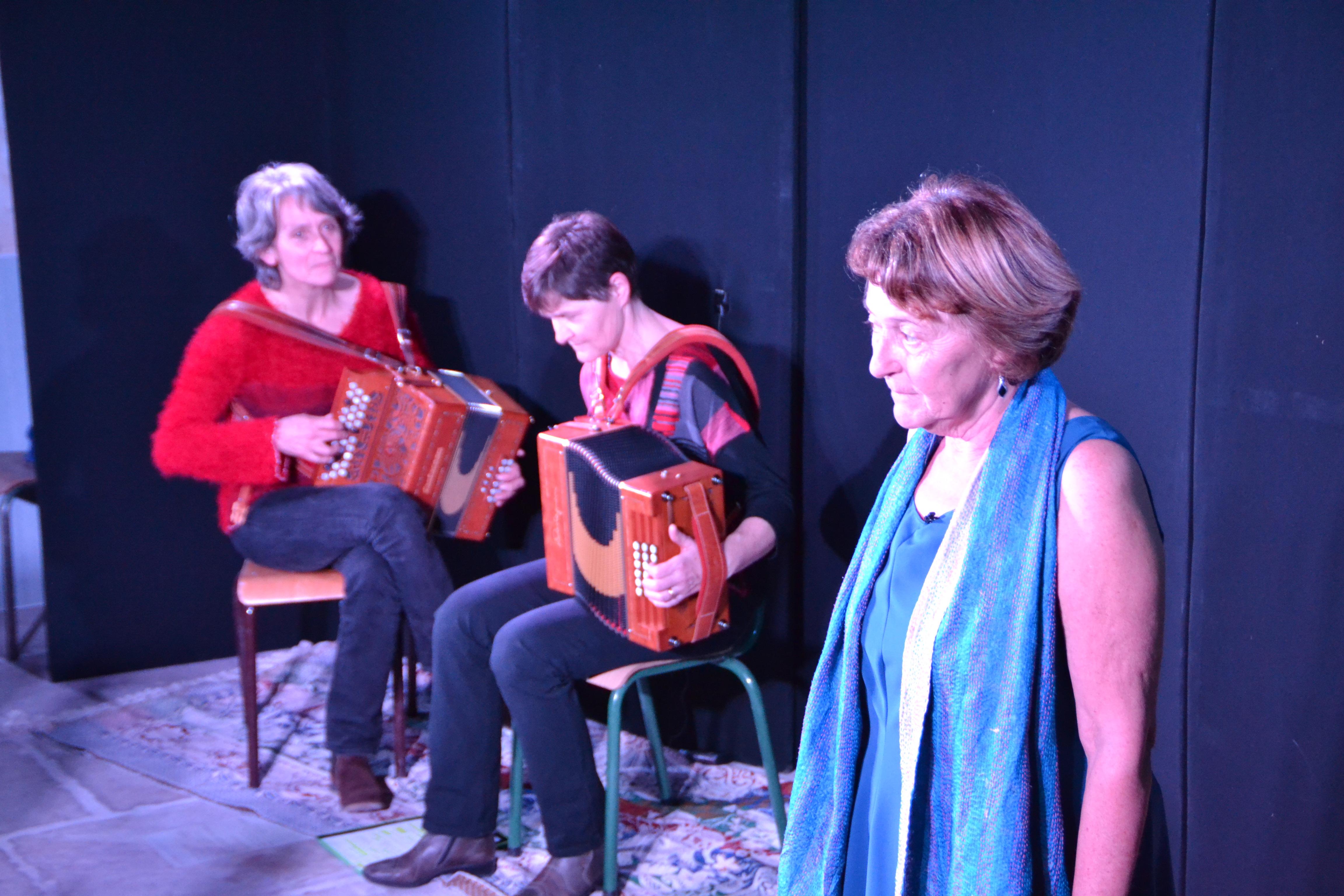 Gens du rhône  - conteuse et musiciennes