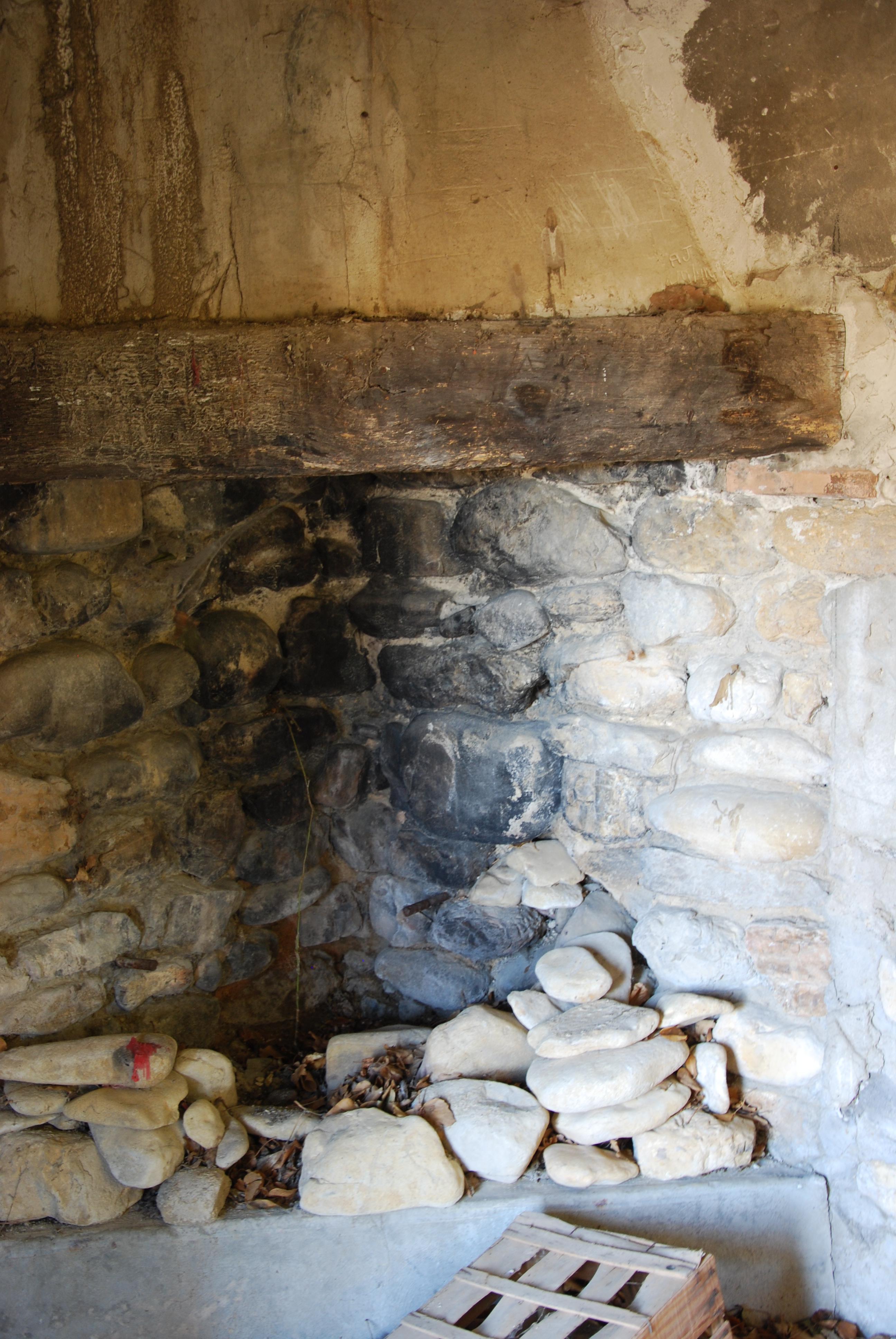 La cheminée du cabanon - juin 2015