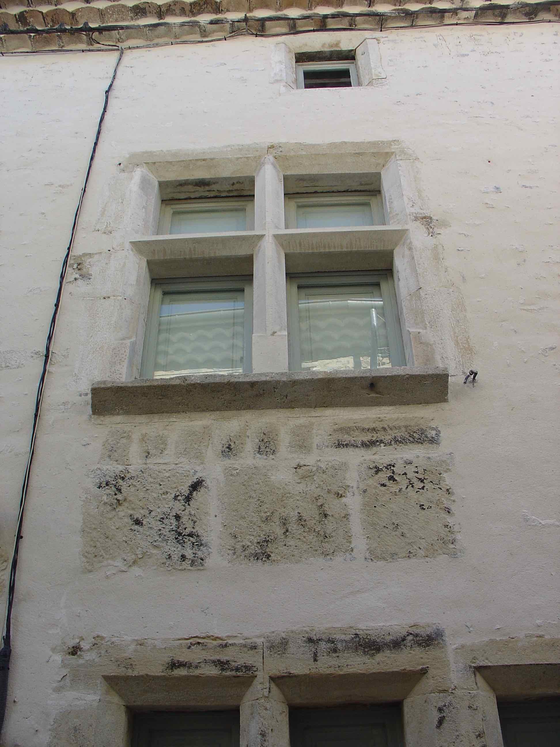 Maison noble Fenêtres étage