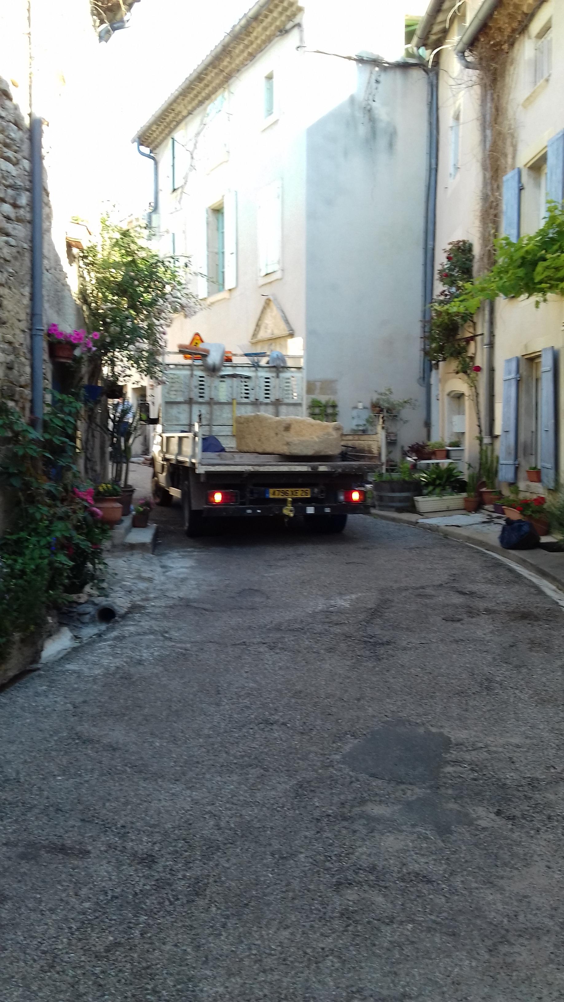 Arrivée rue de la commune - photo W