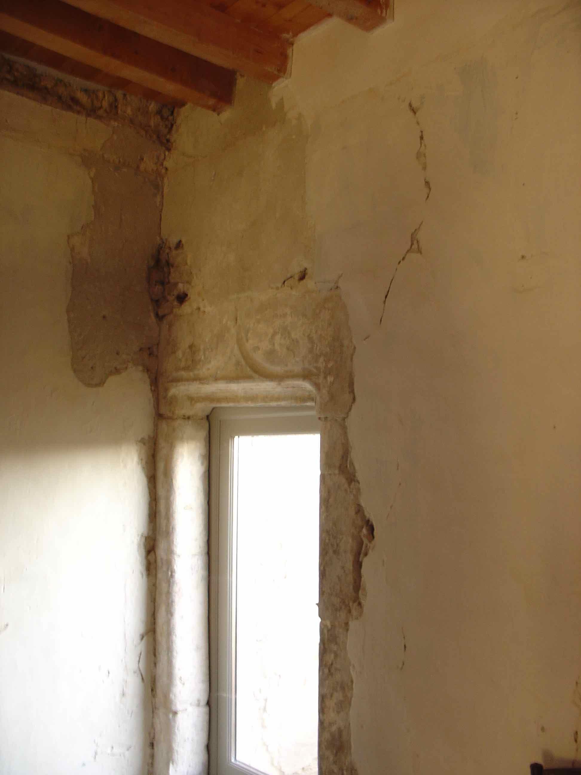 Porte 1er étage vers latrines